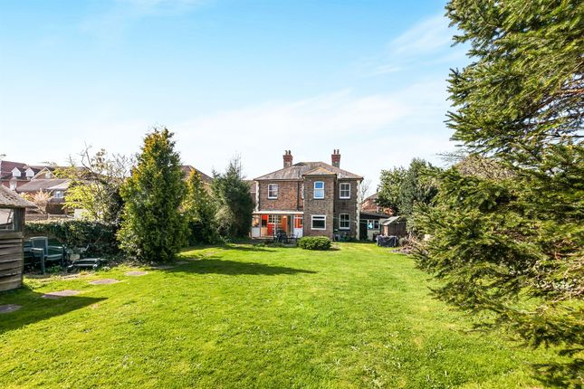 5 bed detached house for sale in Lumley Road, Horley