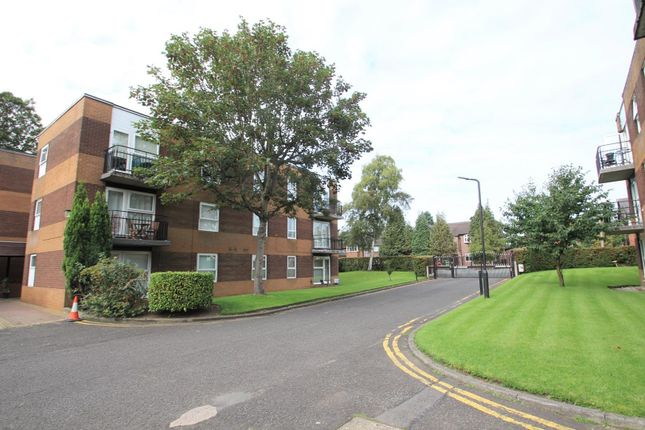 Flat in  Urmston Lane  Stretford  Manchester  Manchester