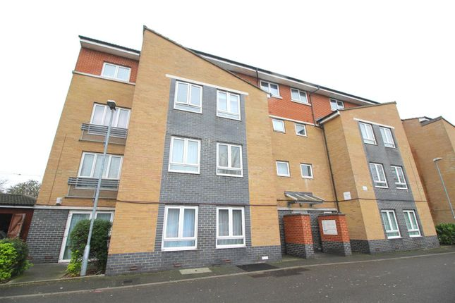 Thumbnail Flat for sale in Washbourne Court, Edmonton