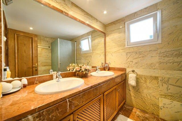 Bathroom of Spain, Málaga, Benahavís, La Quinta Golf