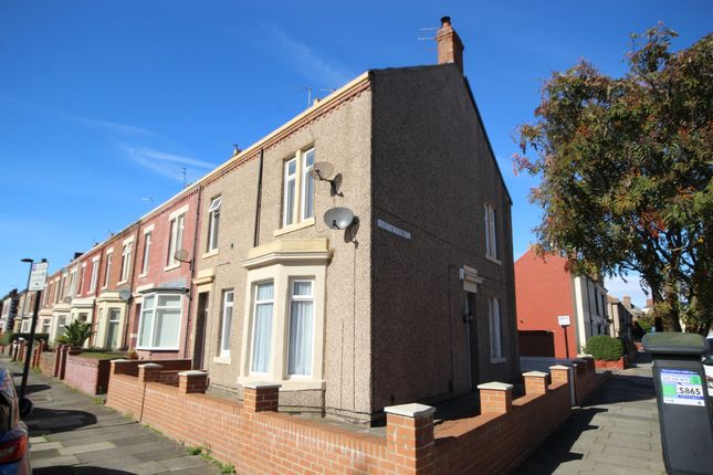 Thumbnail Flat to rent in Clifton Terrace, Whitley Bay