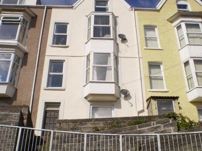 Thumbnail Flat to rent in Bayview Crescent, Brynmill, Swansea