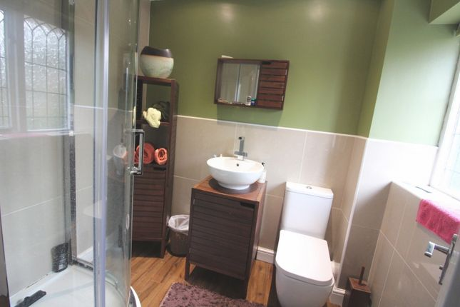 Ensuite To Bed2 of Cotman Drive, Bradwell NR31