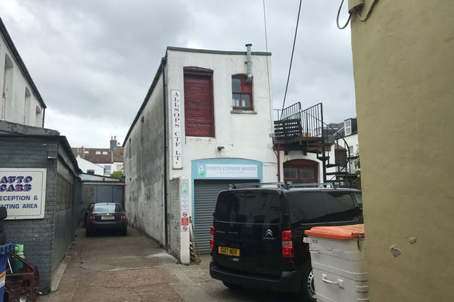 Light industrial to let in Montgomery Street, Hove