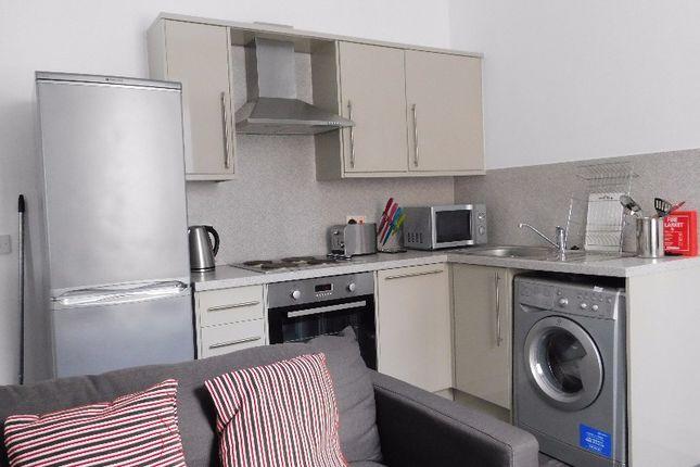 2 bed flat to rent in James Street, Riverside, Stirling FK8