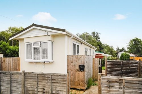 Thumbnail Mobile/park home for sale in Belmont, Stubbings Meadow, Ringwood