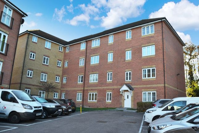 Thumbnail Flat for sale in Bromley Close, East Road, Harlow