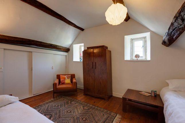 Bedroom 6 of High Street, Dronfield S18
