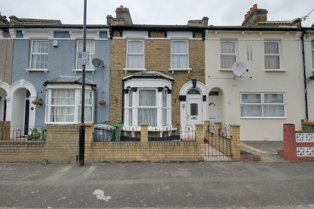 3 bed terraced house to rent in Morton Road, London E15