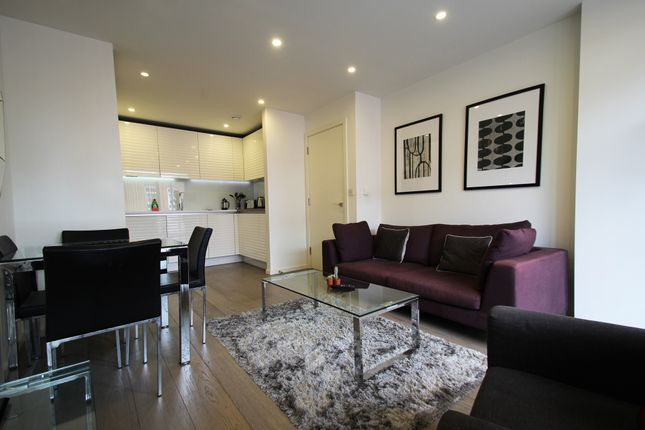 1 bed flat to rent in Worcester Point, Clerkenwell