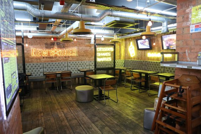 Restaurant/cafe to let in Portland Street, Manchester