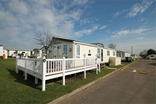 Thumbnail Mobile/park home for sale in Valley Road, Clacton-On-Sea