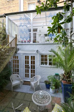 Thumbnail Property for sale in Acton Street, London