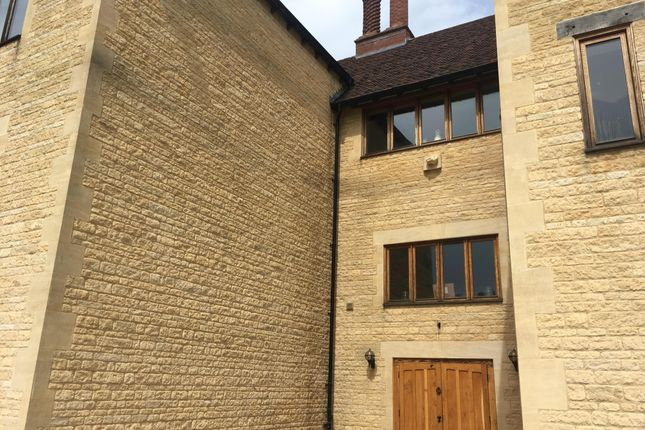 Thumbnail Flat to rent in Lilford, Peterborough