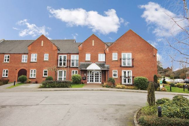 Thumbnail Flat for sale in Ingle Court, Market Weighton