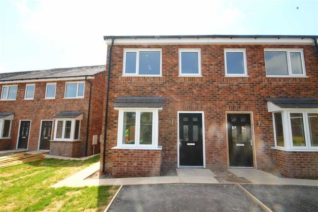 Thumbnail Semi-detached house to rent in Greaves Avenue, Failsworth, Manchester