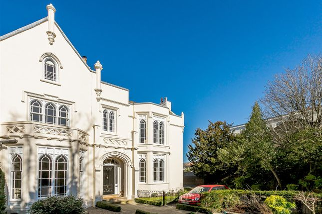 Thumbnail Town house for sale in Warwick Place, Leamington Spa, Warwickshire