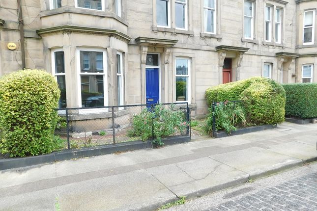 Thumbnail Flat to rent in Comely Bank Avenue, Comely Bank, Edinburgh