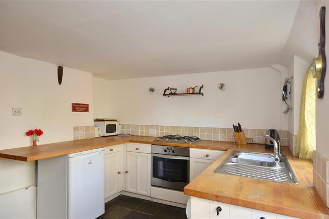 2 bed end terrace house for sale in Wilsley Green, Cranbrook, Kent