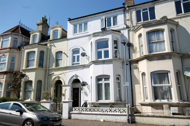 Thumbnail Flat for sale in Pallister Road, Clacton-On-Sea