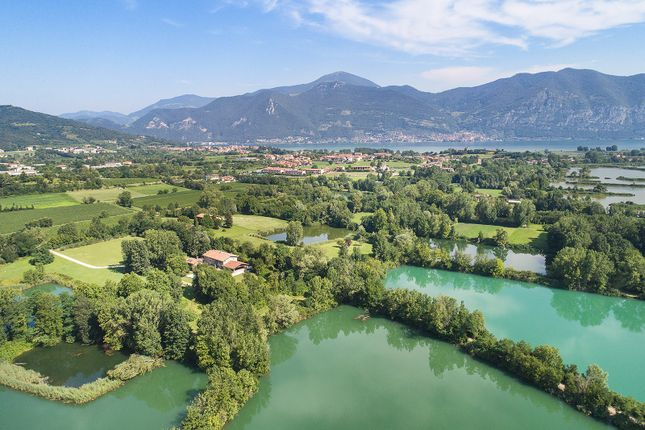 huge discount fc386 a293c Properties for sale in Corte Franca, Brescia, Lombardy ...