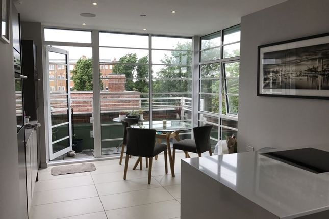 Thumbnail Flat to rent in Shaftesbury Terrace, Ravenscourt Gardens, London