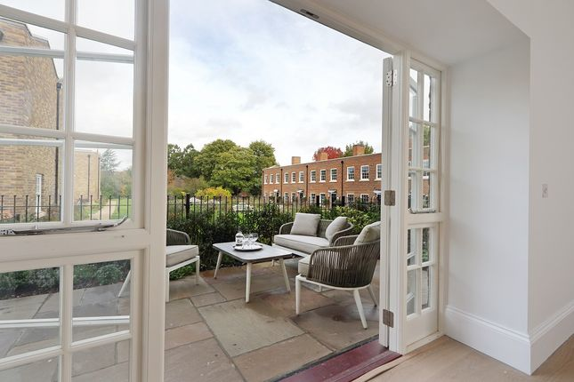2 bed end terrace house for sale in Ham Common, Ham Common TW10