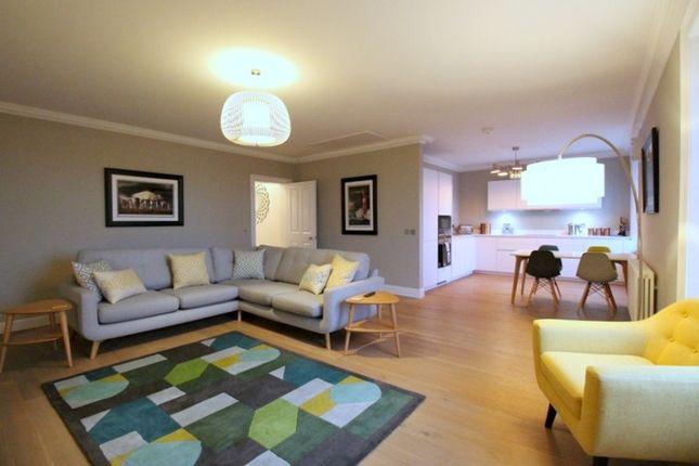 Thumbnail Flat to rent in Great King Street, New Town, Edinburgh