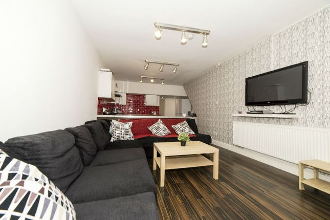 Thumbnail Semi-detached house to rent in Brailsford Road, Fallowfield, Bills Included, Student House To Let, Manchester