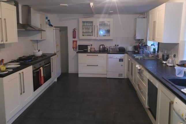 Thumbnail Shared accommodation to rent in Rolleston Drive, Nottingham