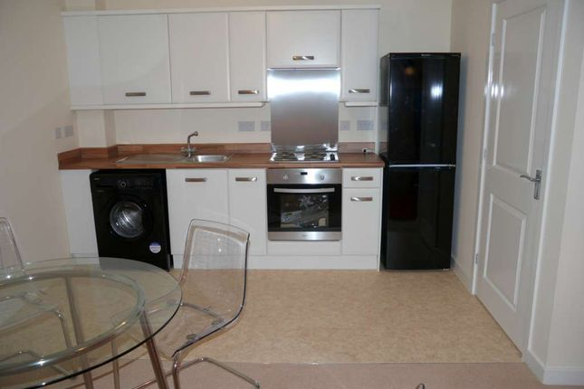 Thumbnail Property to rent in Carrfield, Hyde