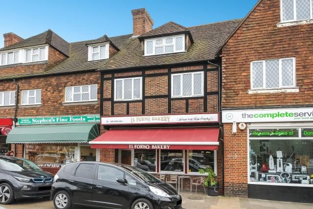 Thumbnail Restaurant/cafe for sale in Station Approach, Hinchley Wood