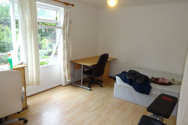 Thumbnail Flat to rent in Heatherley Court, Outram Road, Southsea.