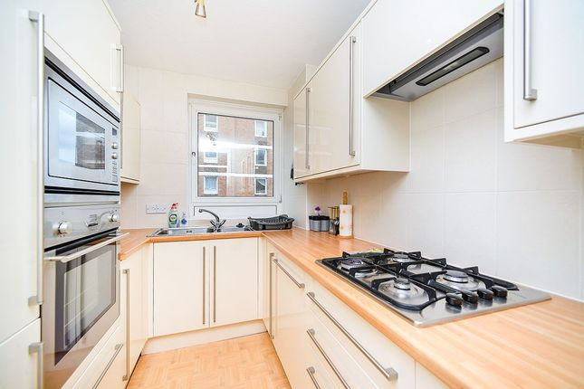 Thumbnail Flat to rent in Grand Avenue, Hove