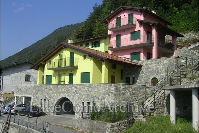 2 bed apartment for sale in Gera Lario, Lake Como, Italy
