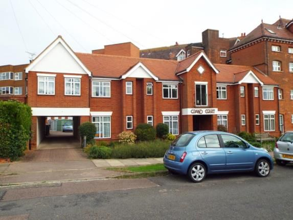 Thumbnail Flat for sale in Fourth Avenue, Frinton-On-Sea, Essex