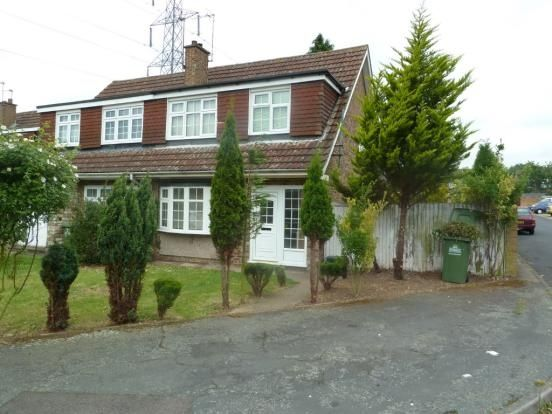 Thumbnail Semi-detached house to rent in Perrysfield Road, Cheshunt