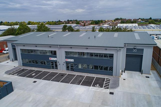 Thumbnail Light industrial to let in Unit 30 Bilton Way, Luton, Bedfordshire