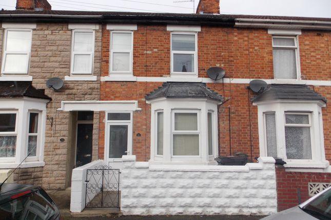 Studio to rent in Dean Street, Swindon