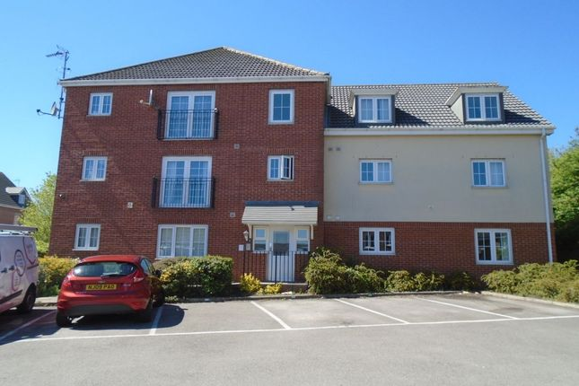 Thumbnail Flat for sale in The Oaks, Leeds