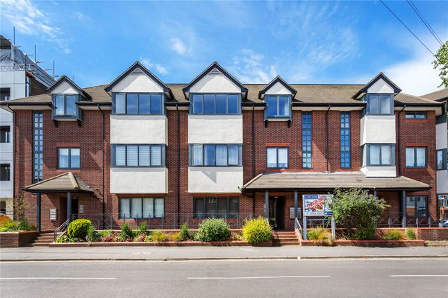 Thumbnail Flat for sale in West Byfleet, Surrey