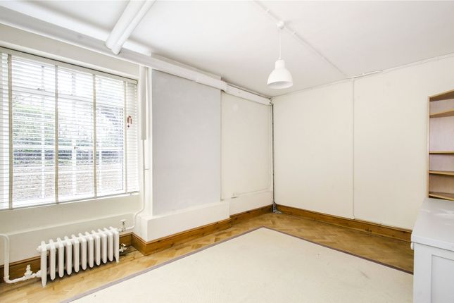 2 bed flat for sale in Rivermead Court, Ranelagh Gardens