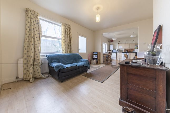 Thumbnail Flat to rent in Maygrove Road, West Hampstead