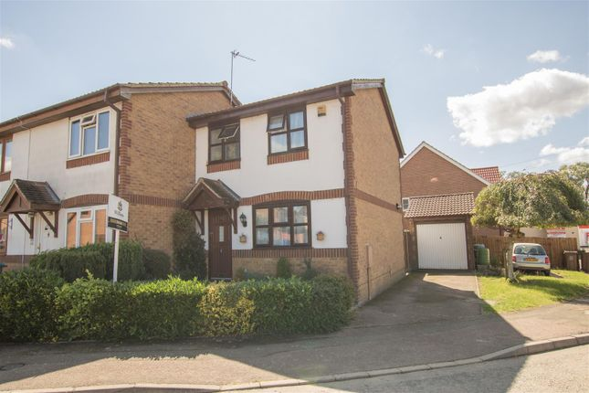 Thumbnail Property for sale in Isis Close, Aylesbury