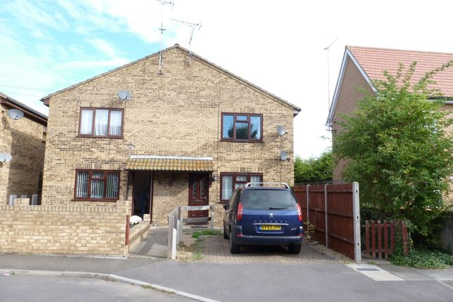 1 bed flat to rent in Rookery Crescent, Cliffe, Rochester ME3