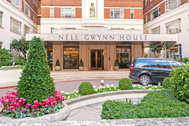 Studio to rent in Nell Gwynn House, Sloane Avenue, London