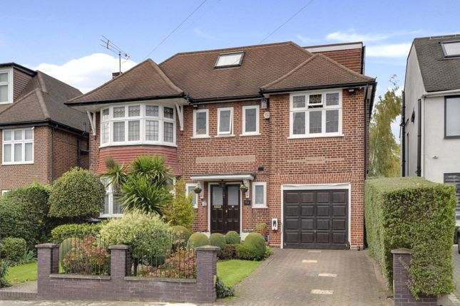 Thumbnail Detached house for sale in Kingsgate Avenue, Finchley, London