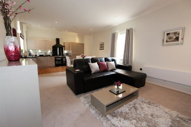 Thumbnail Flat to rent in Goodramgate, York