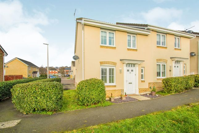 Thumbnail Semi-detached house for sale in Clos Celyn, Barry