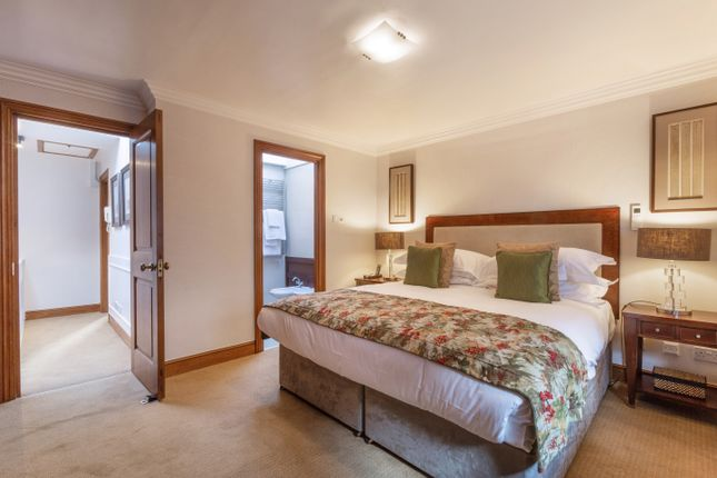 Thumbnail Town House To Rent In Cheval Place Knightsbridge London